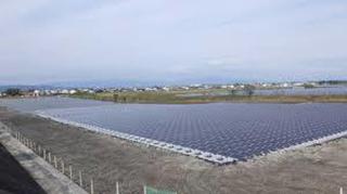 日本建水上光伏发电站一石三鸟